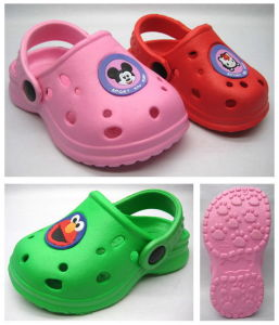 Beautiful and Breathable Hot Sslechildren′s EVA Clog (21ZM720) pictures & photos
