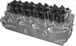 4D56 Complete Cylinder Head for Mitsubishi pictures & photos