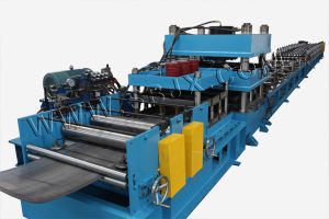Three Waves Guardrail Roll Forming Machine with Conveyor Table pictures & photos