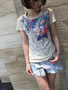 2017 Summer Lovely Colourful Sequin Cotton Flower T-Shirt Clothes pictures & photos