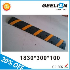 Reflective Speed Rubber Road Hump Traffic Safety Speed Bump pictures & photos