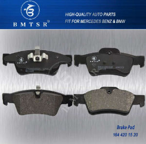 Auto Brake Pads OEM 0044205220 W164 W251 Gl350 Ml32 pictures & photos