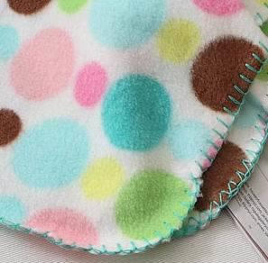 Factoy Cheap Polar Fleece Blanket / Polyester Throw Blanket pictures & photos