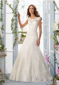 2017 A-Line Sheer Sleeveless Lace Applique Button Back Wedding Bridal Dress pictures & photos