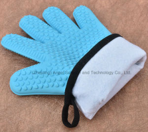 Warm Kitchen Glove with Silicone Rubber Material Sg29 pictures & photos