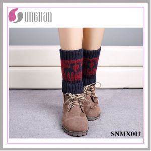 2015 Europe Christmas Contrast Color Deer Leg Warmers Knitted Socks pictures & photos