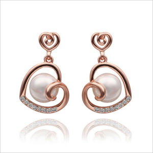 VAGULA Gold Plated New Arrival Fashion Stud Pearl Earrings pictures & photos
