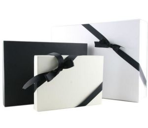 Fancy Cardboard Paper Scarf Gift Box with Lid pictures & photos