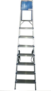 1.6m Aluminum Alloy 8-Step Household Ladder pictures & photos