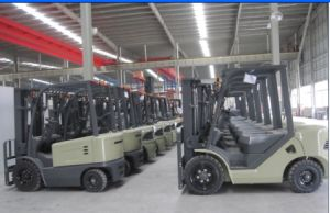 Un 9.0t Diesel Forklift with Original Isuzu Engine with Duplex 4.0m Mast pictures & photos