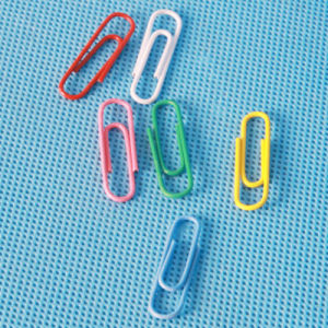 Coloured Plastic Coated Paper Clip Stationery (QX-PC001) 25/28/33/50/75mm pictures & photos