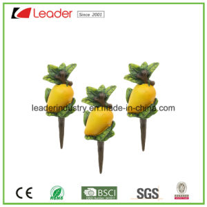 Polyresin Mini Watermelon Figurine Pot Stakes for Home and Garden Decoration pictures & photos