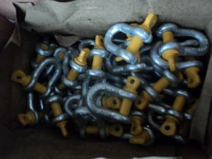 Alloy Grade S Dee Screw Collor Pin and Safety Type Chain Shackles to As2741-1992 with Yellow Pin pictures & photos