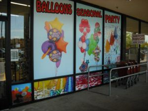 Custom Vinyl Window Glass Lettering and Graphic Decals Sticker pictures & photos