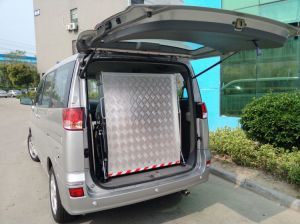 Wheelchair Loading Ramp with Honeycom Board for Van pictures & photos