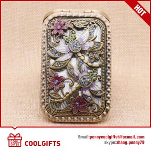 Hot Selling Crystal Foldable Compact Mirror with Custom Logo pictures & photos