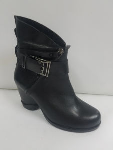 Lady Leather Simple Casual Round Head Short Boots pictures & photos