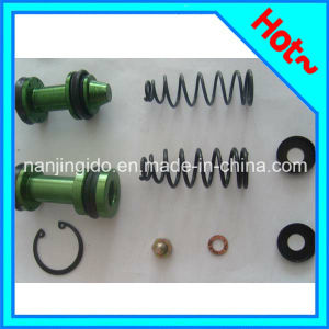 Auto Parts Clutch Master Cylinder Kit for Toyota 04493-35290 pictures & photos