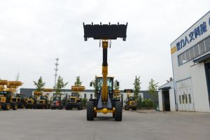 2 Ton T2000 Telescopic Boom Loader with Weichai 83kw Engine pictures & photos