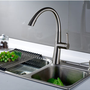 Brushed Pull Kitchen Faucet All Around Rotate Swivel 2-Function pictures & photos