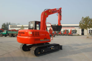 80HP Crawler Excavator for Sale (HT85-8) pictures & photos