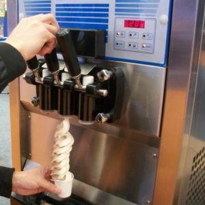 Soft Ice Cream Machine 368/368A, 68L/H pictures & photos