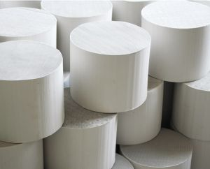 Ceramic Honeycomb Catalytic Substrate Converter pictures & photos
