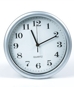 Plastic Round Clock / Wall Clock pictures & photos
