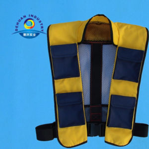 Automatically Inflatable Life Jacket pictures & photos