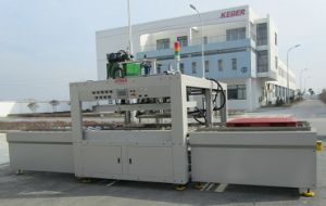 Hot Plate Welding Machine for Hollow Sheet/Pallet pictures & photos