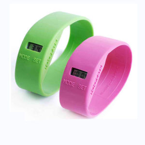 Customized Promotional Silicone Digital Wrist Watch pictures & photos