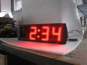 """5"""" 4 Digits Semi-Outdoor LED Digital Clock, Support Regular Clock Function and Countdown/up Function, Red Color pictures & photos"""
