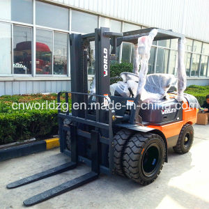 Engine Powered or Electric Forklift Truck pictures & photos