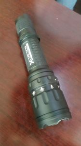 2016 Hot Sale Best Quality Tactical LED Flashlight pictures & photos