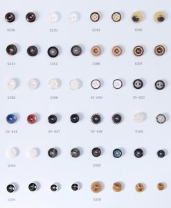 Wholesale of Plastic Shirt Buttons pictures & photos