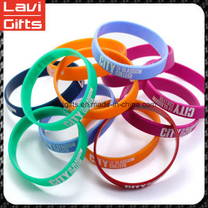 Fashion Colourful Cheap Silicone Rubber Bracelet with Logo pictures & photos