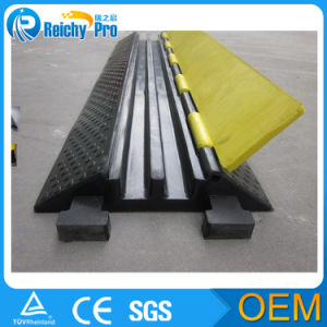 Traffice Safety Portable Rubber Cable Ramp pictures & photos