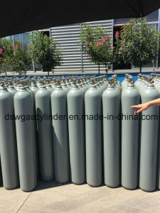 8L Seamless Steel Bottle with 99.999%Helium Gas pictures & photos