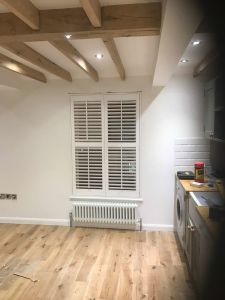 Pure White Indoor New Australia Style Basswood Plantation Shutter pictures & photos