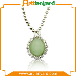 Customized Fashion Design Necklace with Gift pictures & photos