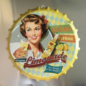 Custom Creative Retro Stereo Beer Bottle Caps for Decoration pictures & photos