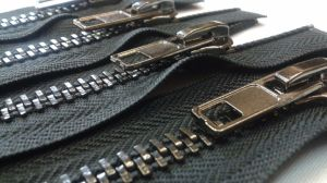 High Quality Metal Zipper pictures & photos