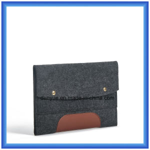 Popular Design 0.5cm Cheap Felt Laptop Sleeve Bag, Customized Laptop Briefcase with Button Closing pictures & photos