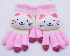 Half Fabric Cute Cartoon Gloves pictures & photos
