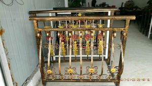 Top Selling Flexible Design Good Design Wrought Iron Fence pictures & photos