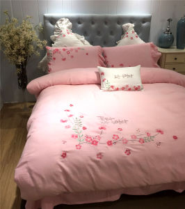 Professional Discount Cotton Bedroom Bedding for Hotel Apartment pictures & photos