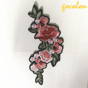 2017 Fashion Embroidery Flower Patch pictures & photos