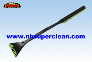 Durable Plastic Long Handle Snow Brush for Car (CN2282) pictures & photos