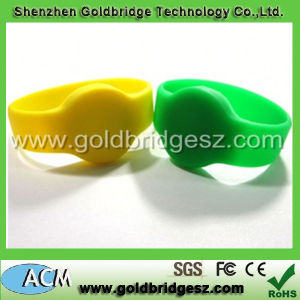 Fashionable Waterproof RFID Wristbands for Management