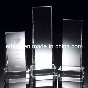 Crystal Winner′s Wedge Deluxe Award pictures & photos